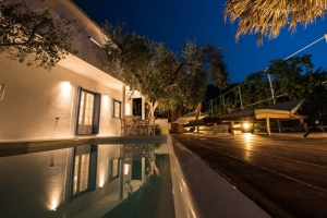 Skopelos villas pool Chora private apartments